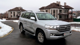 Toyota Land Cruiser 200: Низкий поклон за рестайл