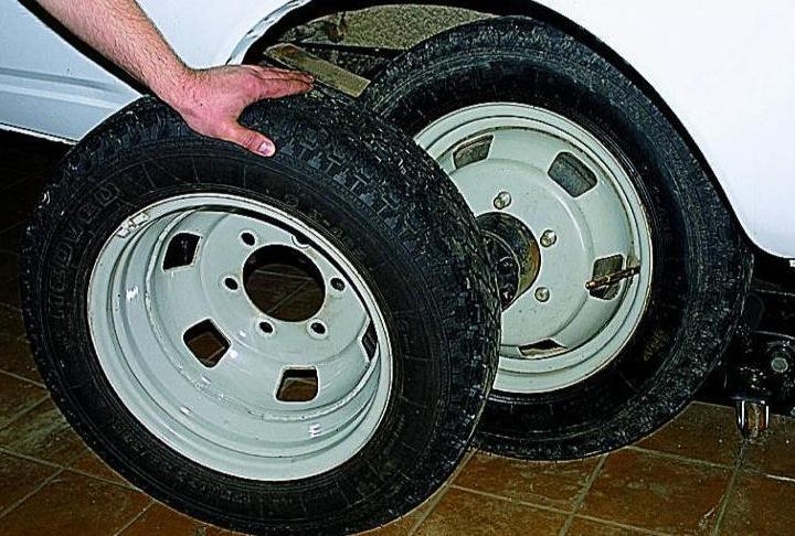 причина установки двойных колес