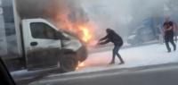 «ГАЗель» сгорела рядом с метро «Бурнаковская» в Нижнем Новгороде