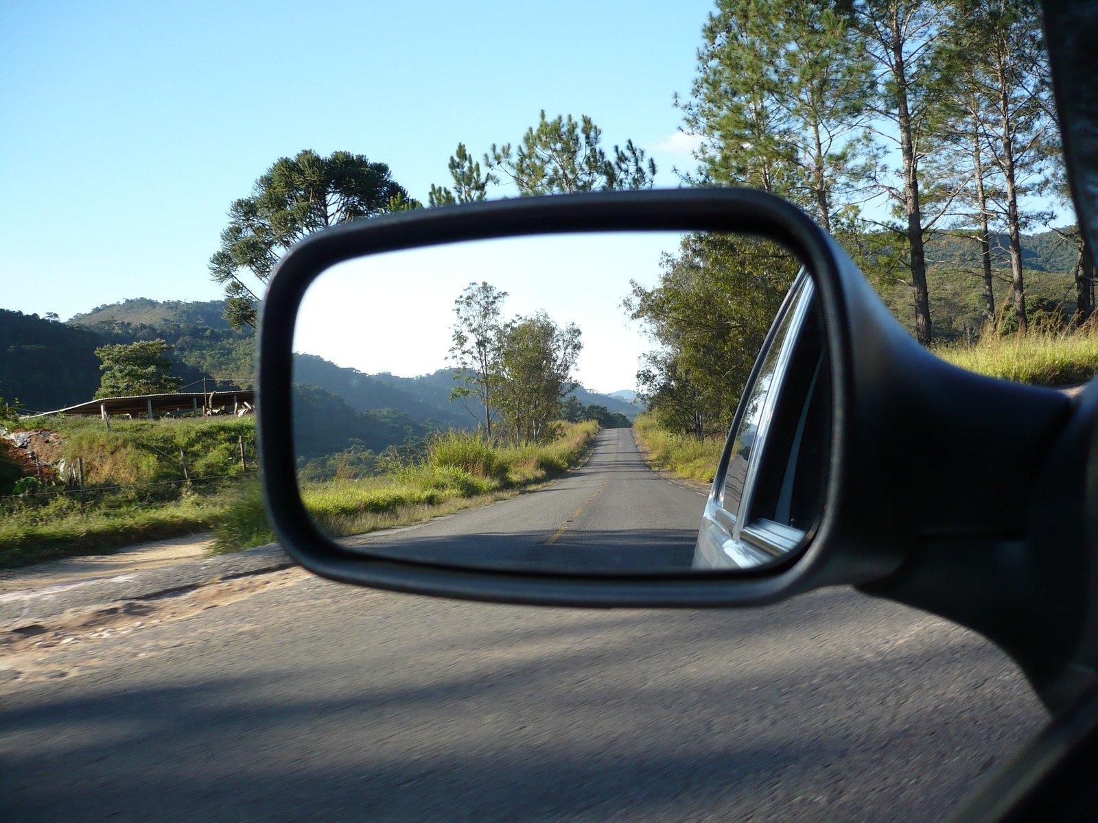 устаревание боковых зеркал